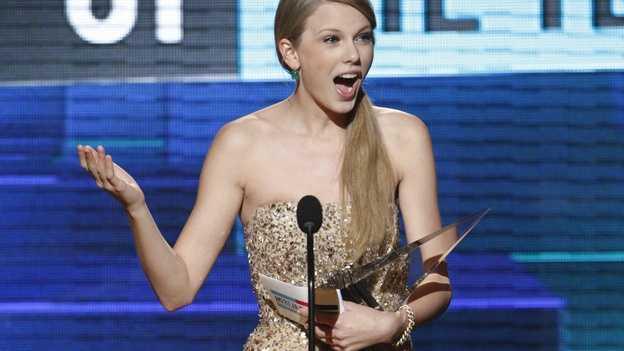 AMA-Taylor Swift