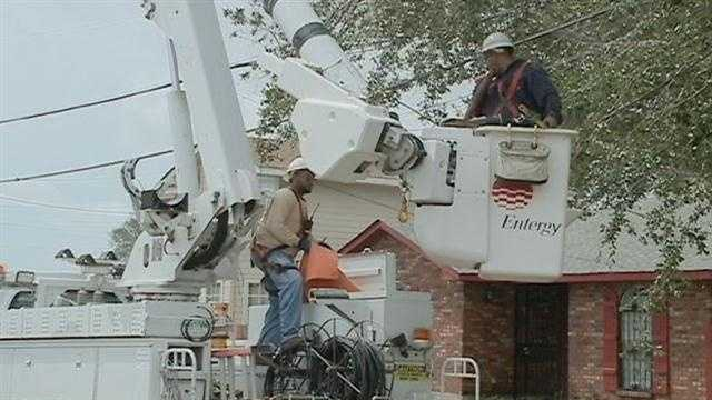 Crews work to restore power after Isaac knocks thousands out