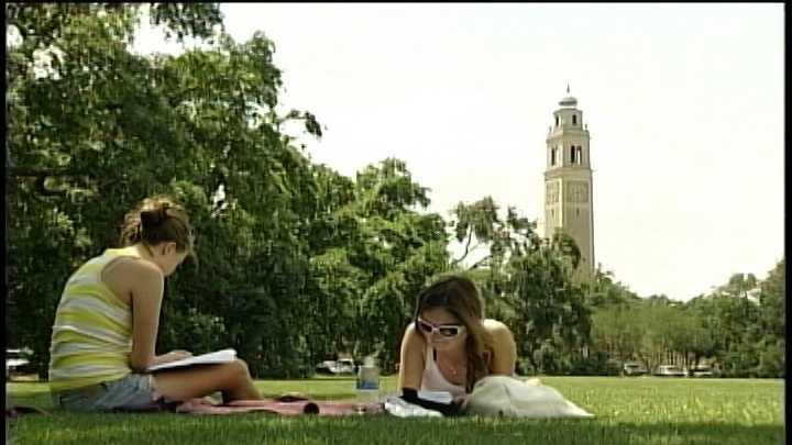 LSU students studying on campus.jpg