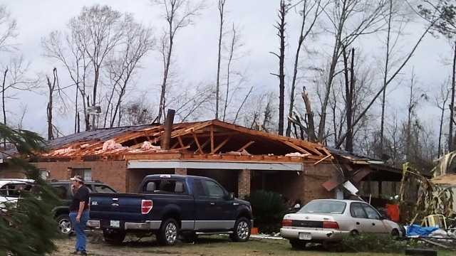 Christmas Day storm destroys Pear River Co. homes