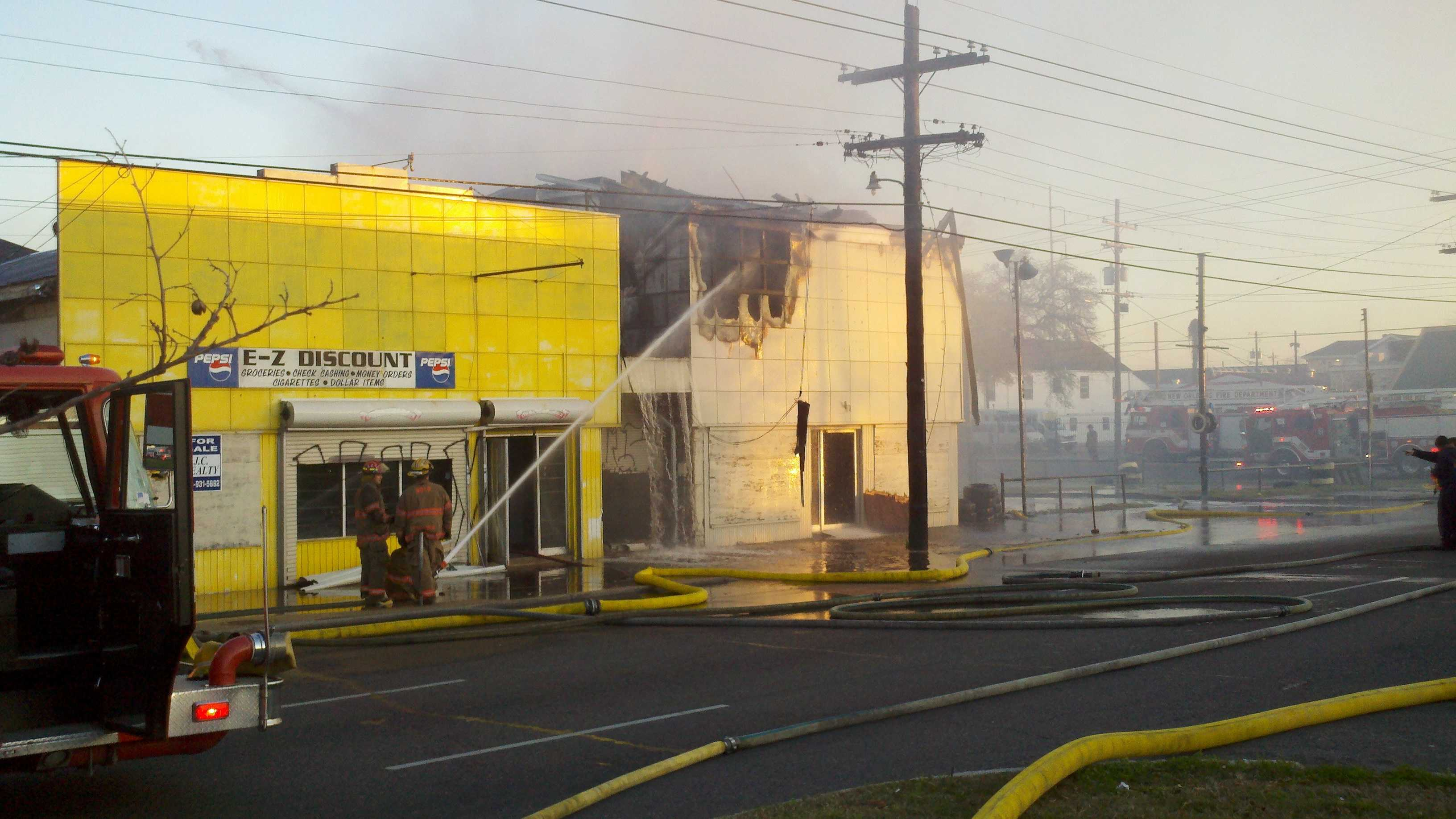 3-alarm fire in Mid-City