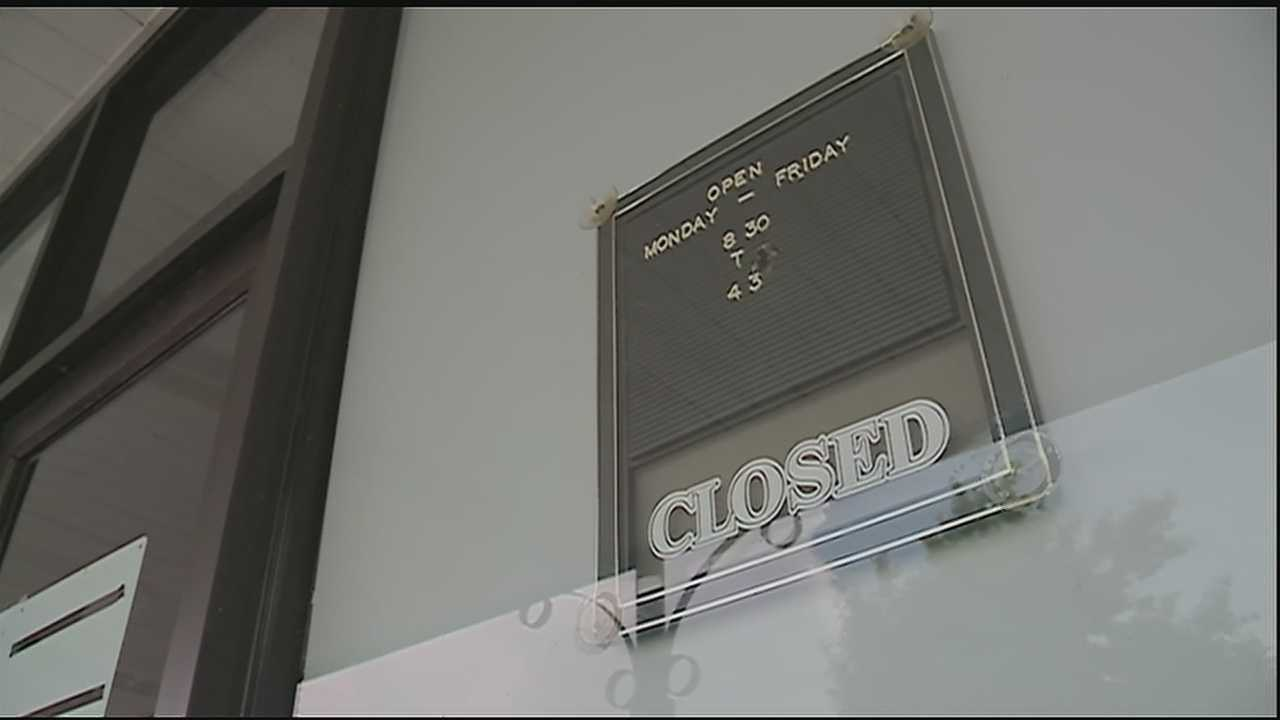 Algiers office shuts down due to stolen air-conditioning unit