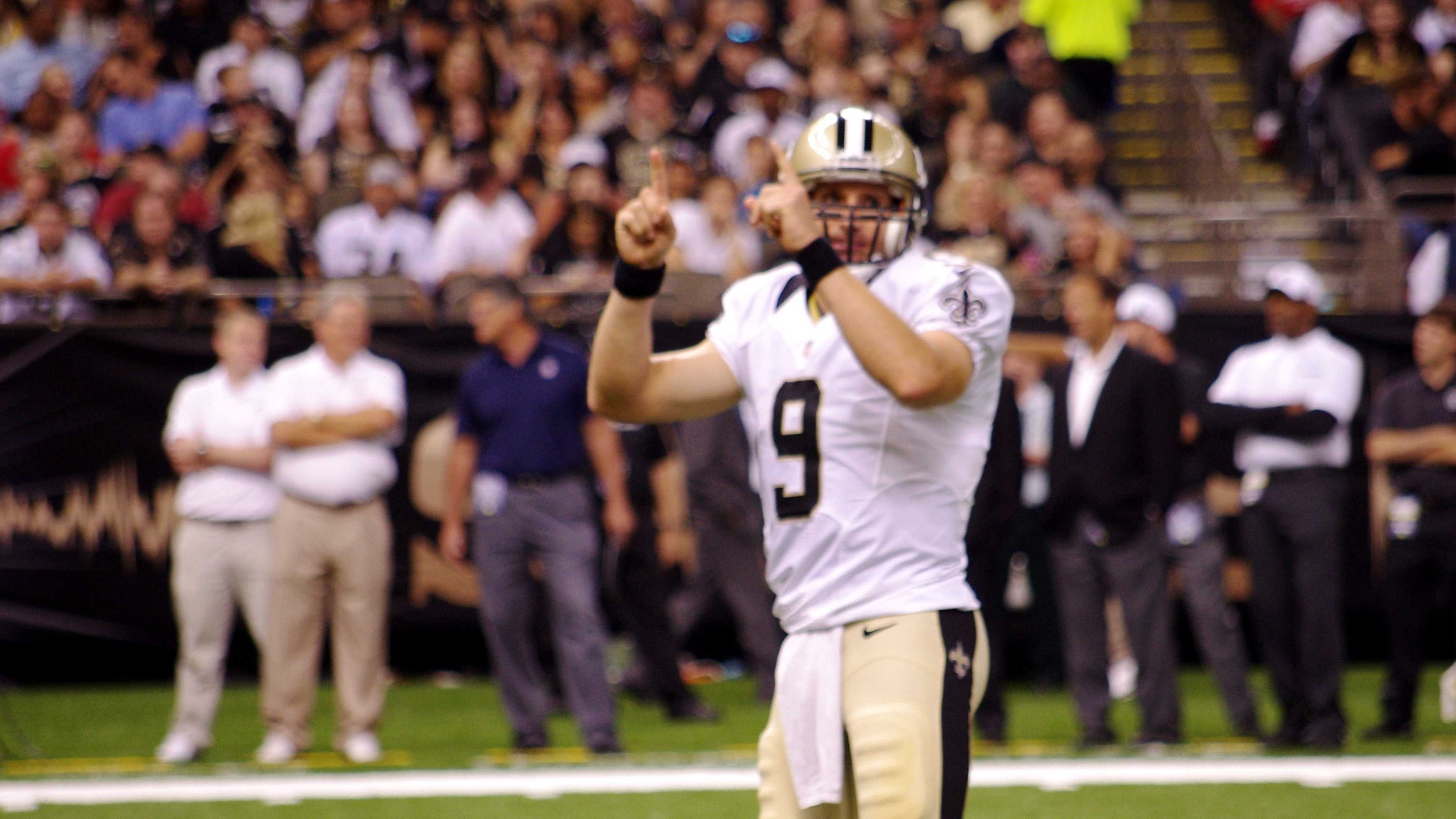 Drew Brees calls play.JPG
