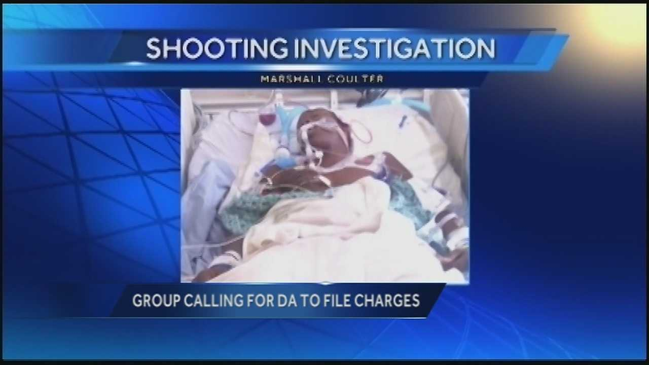Group calls for DA to file charges in teen's shooting