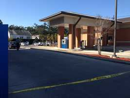 WDSU confirmed a body was in the parking lot of a Chase Bank.