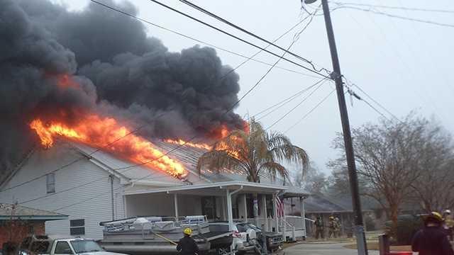 Firefighters battle blaze in Slidell