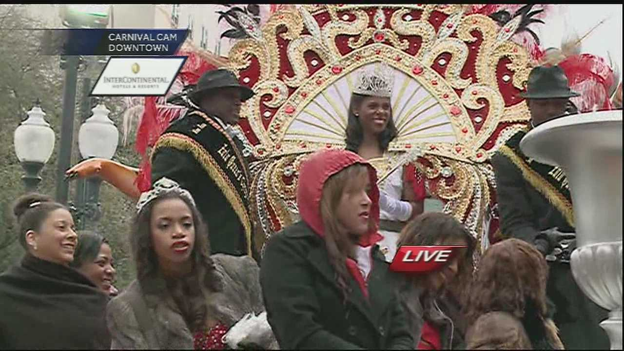 Queen Zulu gives toast at Gallier Hall