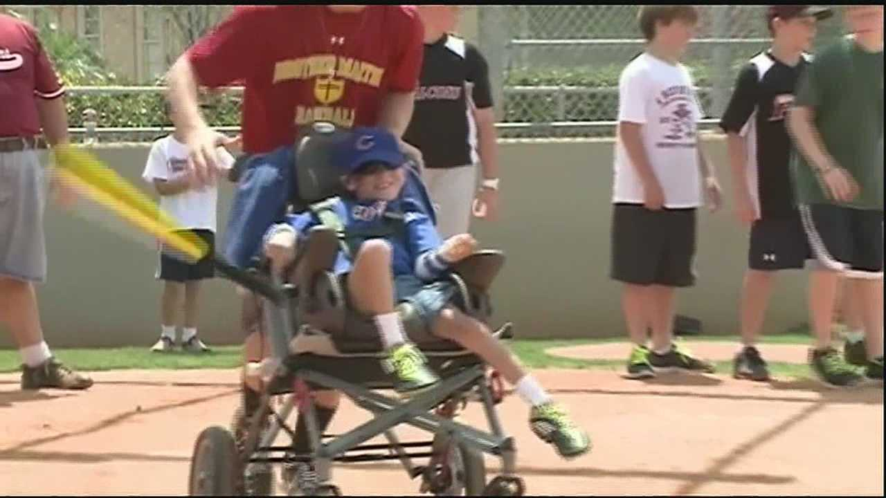 Northshore special needs kids get in the game with Miracle League