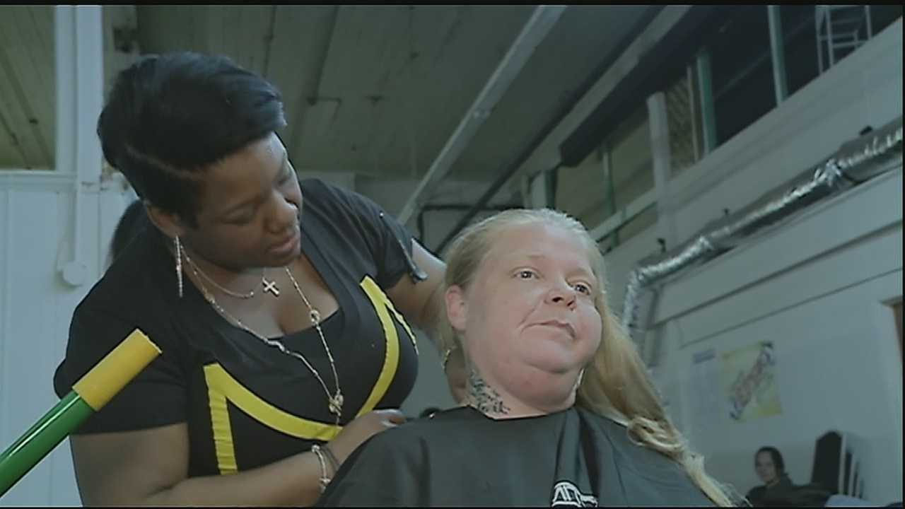 Haircuts for the homeless&#x3B; Paul Mitchell sharpens shears for free hairdos