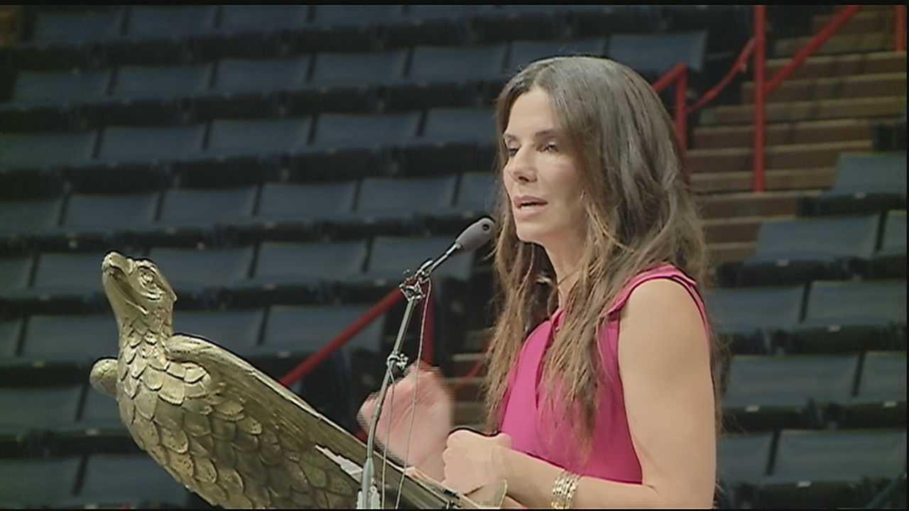 Sandra Bullock surprises Warren Easton HS seniors at graduation