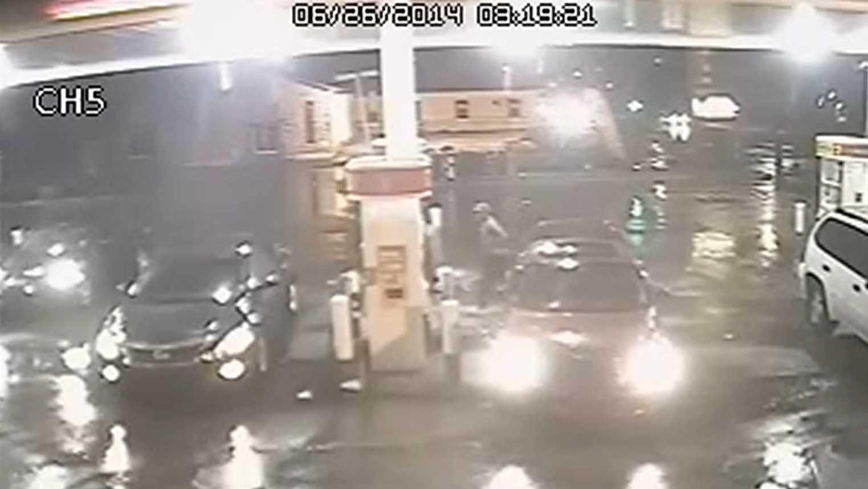 Gas station car theft 062614.jpg