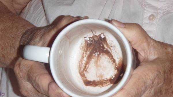 A woman in Metairie said her elderly mother is hoping to sell a mug with, what she said, is an image of angel she saw after drinking a cup of hot chocolate.