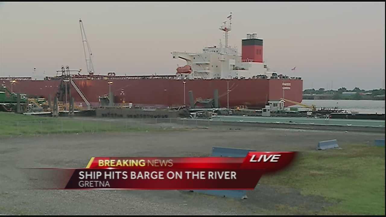 Ship hits barge on Mississippi River