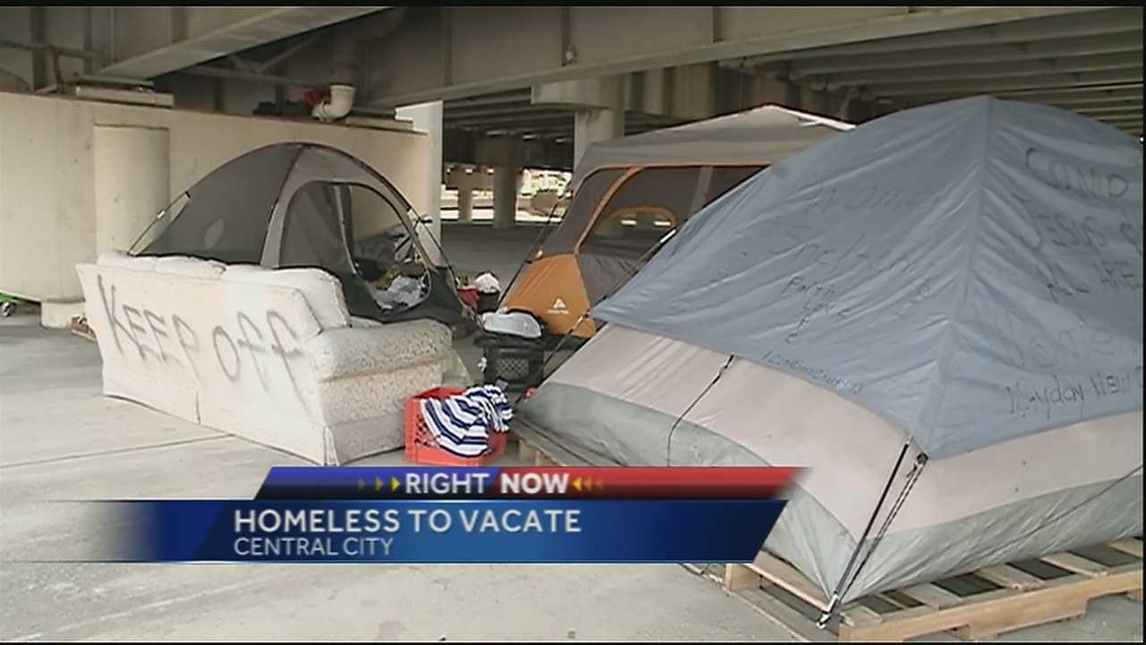 Homeless people evacuated from under Ponchartrain Expressway