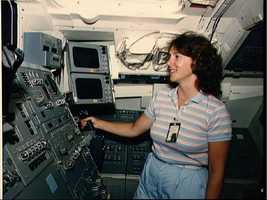 Teacher in Space trainees undergo training for STS 51-L mission