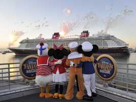 """Rich captioned the picture, """"We missed the ship! This is the last time we listen to Goofy."""""""