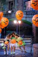 There are 190 individually-themed carved pumpkins adorning the balconies and windowsills of Main Street, U.S.A.