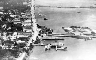 1922: Aerial view of what is now known as City Island Park