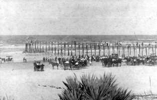 1896: Fourth of July on the beach