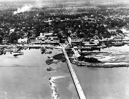 1925: Aerial view west including City Island Park