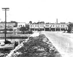 1925: Arcade building near the Broadway Avenue (now known was International Speedway Boulevard) Bridge