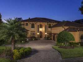 See what's behind the doors of this Lake Tibet Butler Mansion listed at $2.595 on Realtor.com with a total of 7 bedrooms, 6 bedrooms and much more.