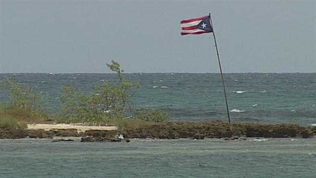 Puerto Ricans vote on statehood
