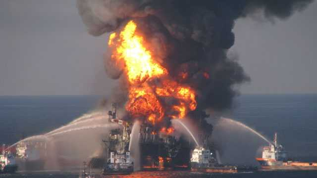 BP oil spill, Deepwater Horizon fire