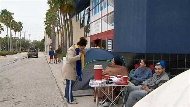 Shoppers already camped outside Orlando Best Buy