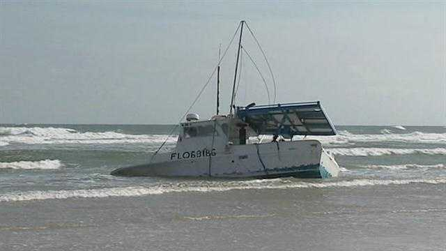 Fishing boat runs aground in Volusia County