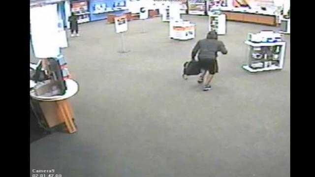 Raw Video: Theives steal electronics from ATT store