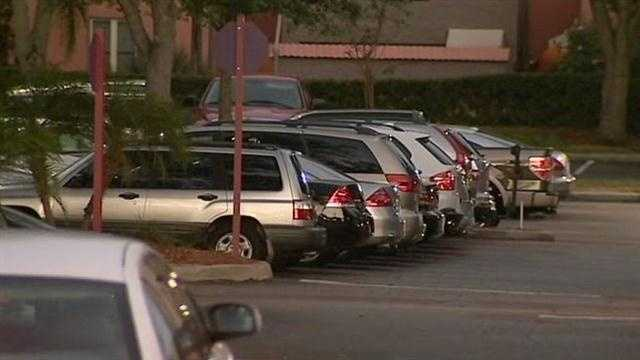 A string of smash and grabs in cars in Orlando. Police looking for suspects