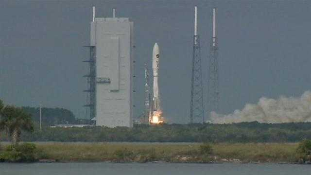 A top-secret mini-space shuttle has blasted off from Cape Canaveral.
