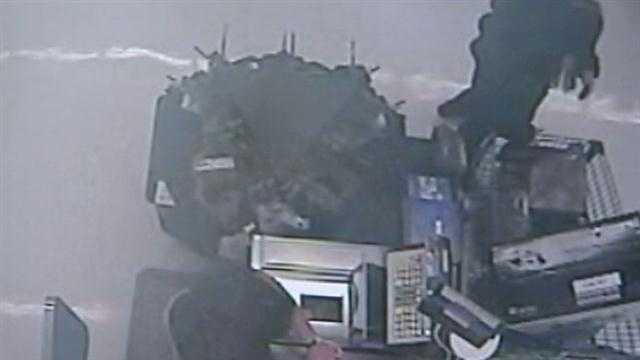 3 women involved in Walmart theft scheme, cops say