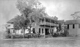 1890: The Floral City Hotel