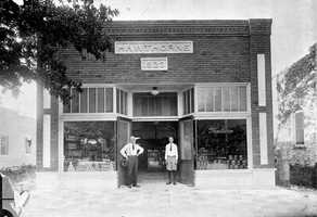 1923: The Hawthorne grocery store