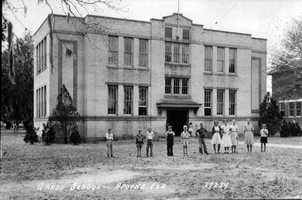 1935: Grade school built to replace the one destroyed by tornado in 1918.