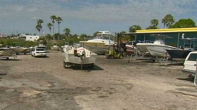 Some professional grade thieves were caught in action getting away with hundreds of thousands of dollars in boats.