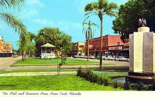 The mall and business area in Avon Park in 1967.