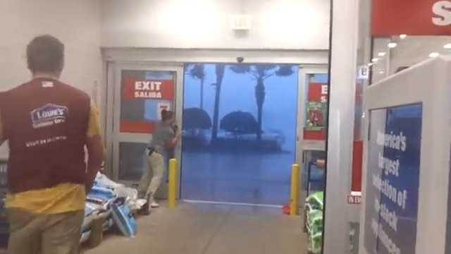 Severe weather moved into Orlando quickly Sunday, surprising some customers and employees at Lowe's.