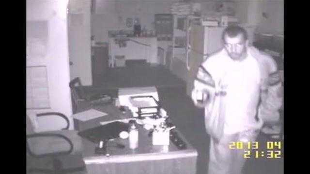 Raw Video: Comfort Inn burglar