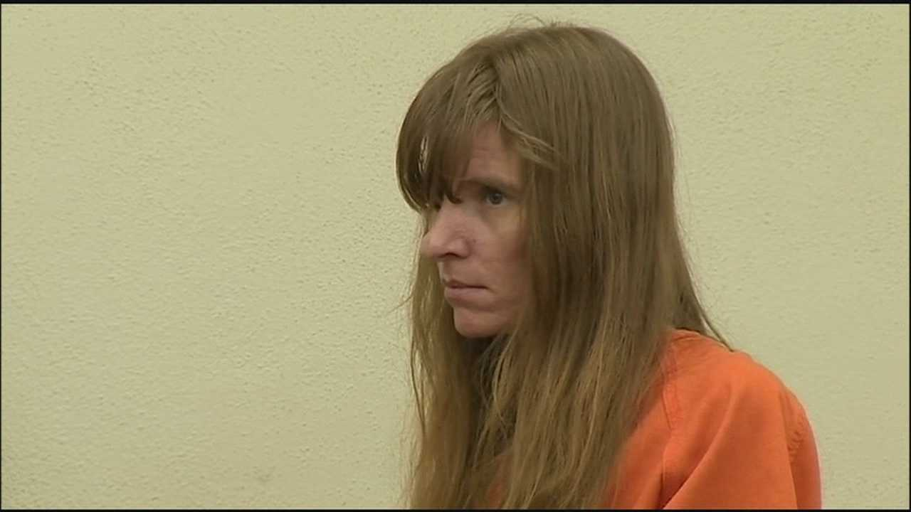 Woman mutilated man's body after killing him, deputies say