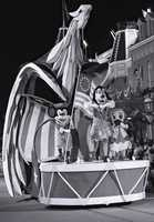 Floats throughout the parade represented historical, cultural and scientific achievements throughout the first 200 years of the nation.
