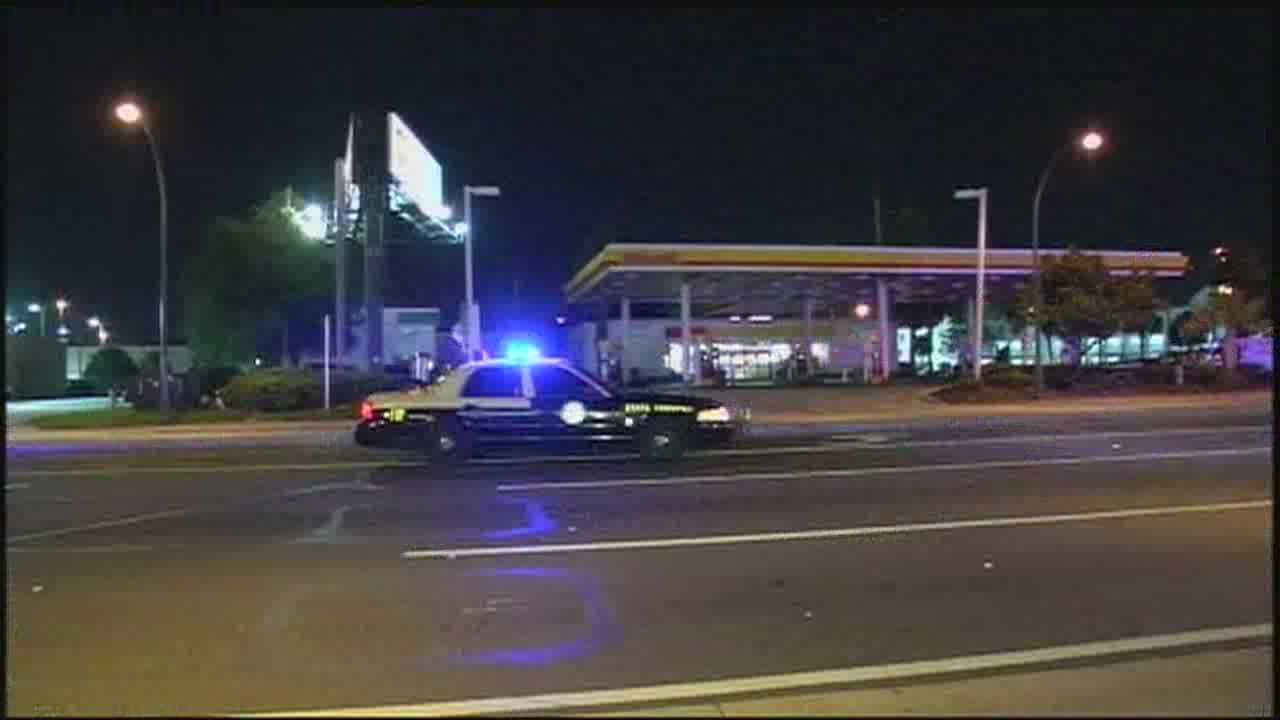 2 women struck, 1 killed by taxi cab