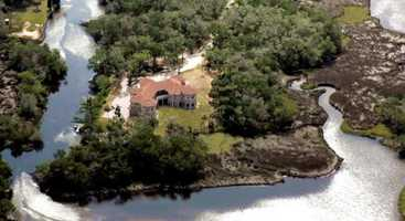 5. La Casa de las Fuentes, Homosassa: $7,900,000