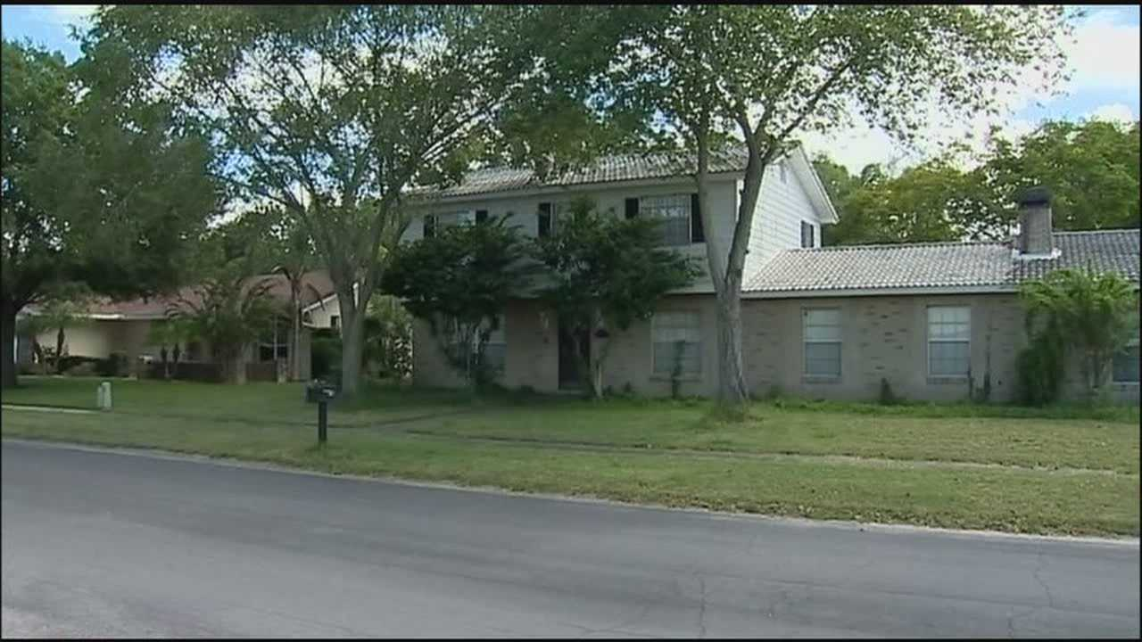 Homeowner helps lead police to burglary suspects