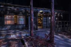 2. Cabin in the Woods - You don't have to be a fan of the movie to appreciate this haunted house. You'll encounter various bloodthirsty monsters as you travel from the cabin to the final movie scene inside an elevator lobby, which was perfectly re-created by the HHN team. See video here