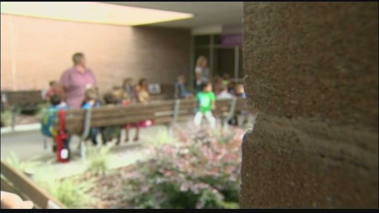 Hundreds of East Marion Elementary School students are missing class because of an unidentified stomach virus outbreak.