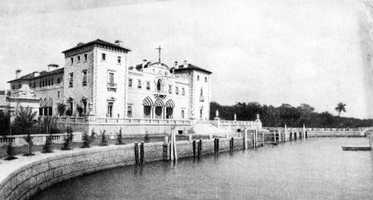 The bay-side view of the mansion. Photograph taken in 1919.