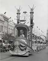 Historical milestones, such as the invention of the car, the first airplane flight and the moon landing, were all showcased in the parade.